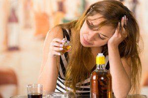 Come Aiutare una Sorella Alcolista